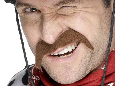 Mustata maro de cowboy